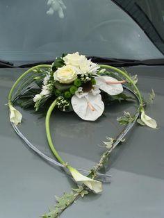 La voiture des mariés Quelles astuces pour organiser votre mariage sur http://yesidomariage.com