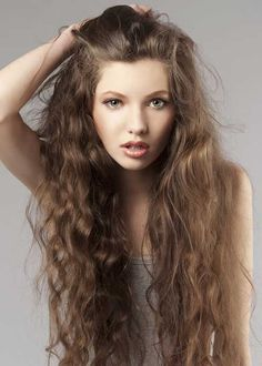 20 Gorgeous Curly Hairstyles: #2. Curly Hairstyle for Women