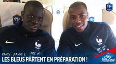 On y est ! Les Bleus se sont retrouvés à l'aéroport de Paris et se sont envolés direction Biarritz pour débuter la préparation à l'UEFA EURO 2016 !  #FiersdetreBleus