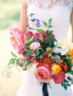Colorful coral charm peony and garden rose wedding bouquet: Photography: Charla Storey - http://www.charlastorey.com/
