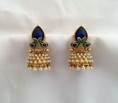 ring signifying their status (the same) ~ very similar design ~ further mimicking a peacock ~ milkmaid style ~ almost cute ~ the same jewels and metals ~ highly artistic ~ almost fashionable ~🥚🍯🥐 ~ (their fathers have a more personal ring) Gold Jhumka Earrings, Gold Earrings Designs, Gold Jewellery Design, Gold Designs, Antique Jewelry, Beaded Jewelry, Gold Jewelry, Indian Wedding Jewelry, India Jewelry