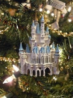 Disney World Cinderella Castle Ornament Disney Christmas Ornaments, Hallmark Ornaments, Christmas Love, All Things Christmas, Christmas Wedding, Disney Home, Disney Dream, Walt Disney, Disney Magic