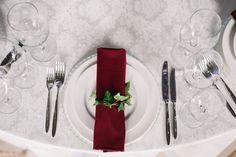 Wedding table-napkin. Marsala, emerald, hedera.