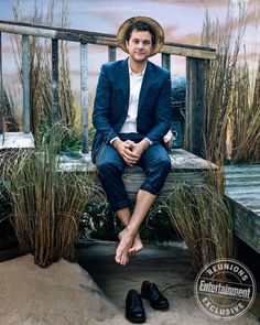 Joshua Jackson photographed exclusively for Entertainment Weekly with the cast of Dawson's Creek by Marc Hom on March 2018 in New York City Josh Jackson, Michelle Williams, Entertainment Weekly, Katie Holmes, Meredith Monroe, Vancouver, Joey Potter, Pacey Witter, Barefoot Men