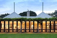 The Australian Garden Show is coming to Sydney's Centennial Park, where you can expect to see plenty of dazzling displays of gardening fare. Wedding Venues Sydney, Wedding Reception, Wedding Rings, Restaurant Deals, Park Restaurant, Work In Australia, Elegant Dining Room, Dining Set, Dining Rooms