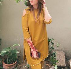 Fancy Dress Design, Stylish Dress Designs, Simple Pakistani Dresses, Pakistani Dress Design, Frock Fashion, Fashion Dresses, Fashion Hub, Muslim Fashion, Pakistani Fashion Party Wear