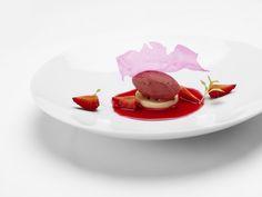 Orange blossom cream, aloe vera, toasted strawberry sorbet, hibiscus infusion.