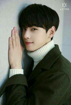 Cha Eunwoo should be in a Drama! Cute Korean Boys, Korean Men, Cute Boys, Asian Men, Astro Eunwoo, Cha Eunwoo Astro, Korean Celebrities, Korean Actors, Boys In Groove