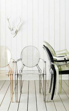 chaises plexiglass et la chaise transparente conforama pour un salon moderne plus