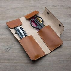 Handmade Leather Pen Zippered Pen Holder - Multi-Piece - Items similar to Handmade Leather Pen Case-pen holder with zipper-Multiple pieces on Etsy - Leather Gifts, Leather Bags Handmade, Leather Craft, Leather Tooling, Tan Leather, Leather Wallet, Leather Totes, Leather Purses, Diy Pencil Case