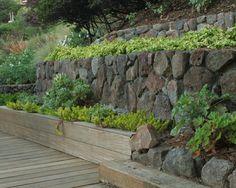 feldsteinmauer Gartenmauer-errichten hang-befestigen