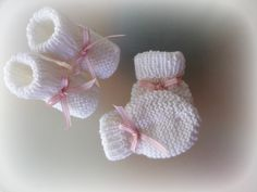 Newborn Booties & Mittens Set for Baby Girl /Handmade Knit Fashion/New Baby Girl Gift/Beautiful Knit Set/Baby girl set/Square pink ribbon