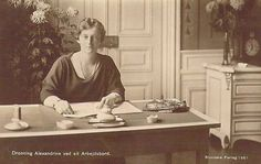 Königin Alexandrine von Dänemark, nee Duchess of Mecklenburg-Schwerin 1879 – 1952   Flickr - Photo Sharing!