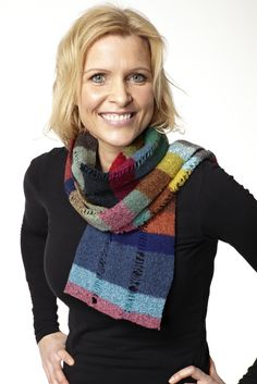 Halstørklæde - scarf. Knitted and felted.