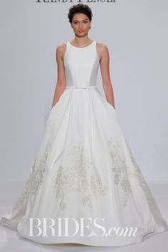 Top Trending Colors Bridesmaid Dresses for 2018 Awesome Randy Fenoli for Kleinfeld Bridal & Wedding Dress Collection Spring Old Fashioned Wedding Dresses, Wedding Dresses Nyc, Classic Wedding Dress, Cheap Wedding Dress, Designer Wedding Dresses, Bridal Dresses, Classic Dresses, Gown Wedding, Wedding Venues