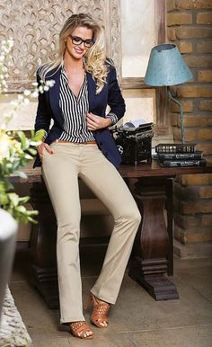 Business casual outfits for women, minimalistic business casual capsule. Office fashion, Womens office clothes and office fashion trends. Stylish Work Outfits, Business Casual Outfits, Professional Outfits, Business Attire, Work Casual, Classy Outfits, Casual Chic, Stylish Outfits, Women Business Casual