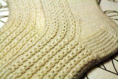 Sockorfalska_ Knits, Winter Hats, Fashion, Moda, Fashion Styles, Knit Stitches, Tuto Tricot, Fashion Illustrations, Knitting Stitches