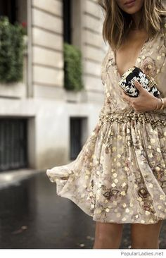 awesome-glitter-dress-design-with-accessories