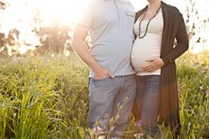 cute casual/neutral option for outfits for male/female for maternity photography