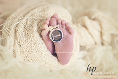 #hollypohlphotography #newbornphotography #babyphotography #familyphotography #milestonephotography #firstyear #materntiy #bump