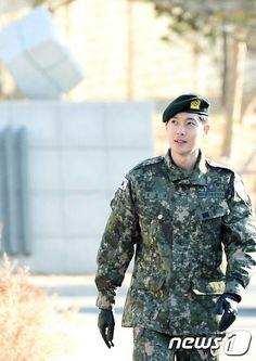 Kim Hyun Joong military discharge 2 /11 /2017