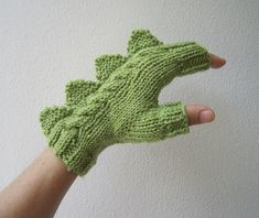 Your place to buy and sell all things handmade Dragon, dinosaur, monster green fingerless mittens gloves, pure Australian wool,medium female adult's size Fingerless Mittens, Knit Mittens, Mitten Gloves, Knitting Projects, Knitting Patterns, Crochet Patterns, Crochet Crafts, Knit Crochet, Diy Crafts