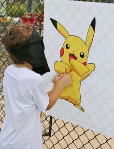Pin the tail on Pikachu | Catchmyparty.com