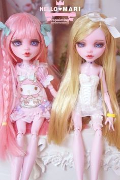 Monster High custom doll repaints by Hello Mari repainting (witchapple). I love this artists style all the soft pastels and layered ruffles are right up my kawaii fashion alley!