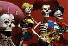 Exposiciones de arte, altares, música, pan de muerto y mucho más en Chicago…