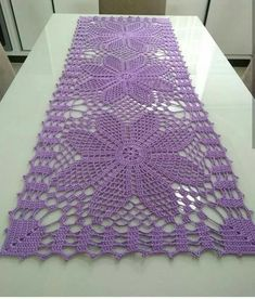 Crochet Table Runner Pattern, Crochet Doily Patterns, Crochet Tablecloth, Crochet Squares, Crochet Motif, Crochet Designs, Crochet Doilies, Crochet Cross, Crochet Home