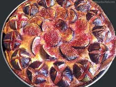 Fig tarts are a perfect late summer afternoon treat! Fig Recipes, Summer Recipes, Cooking Recipes, No Bake Desserts, Easy Desserts, Dessert Recipes, Fig Dessert, Sweets Cake, Eat To Live