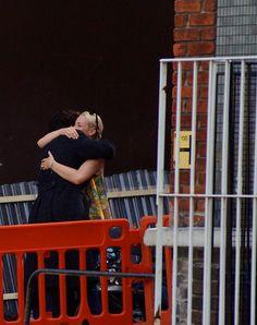 Ben hugging Amanda on Setlock. Looks like he gives really good hugs. Sherlock Season 3, Sherlock Cast, Sherlock Holmes Bbc, Sherlock Fandom, Sherlock John, Mary Watson, John Watson, Amanda Martin, Amanda Abbington