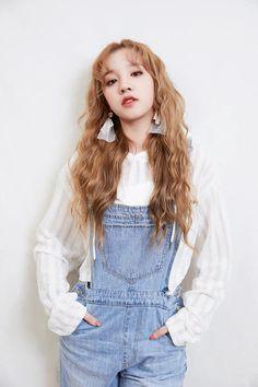 (g)i-dle Nail Polish nail polish Kpop Girl Groups, Korean Girl Groups, Kpop Girls, Soyeon, Soo Jin, Thing 1, These Girls, Queen, Pop Fashion