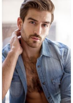 Love a hairy chest! Hairy Men, Bearded Men, Gorgeous Eyes, Beautiful Men, Facial, Hairy Chest, Sexy Jeans, Male Face, Attractive Men