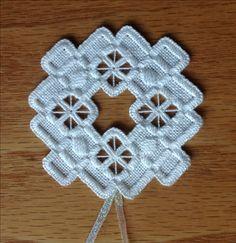 Noruego Hardanger Holiday Ornament por MnMom23 en Etsy