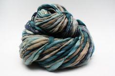 Thick and Thin Slub Yarn TTS Handspun Hand dyed Self Striping XLR Beryl 01
