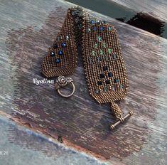 "bracelet ""Herringtouh"" ESQUEMA II part http://vyolina.skyrock.com/2612356458-tuto-Herringtouh-2.html ESQUEMA III part http://vyolina.skyrock.com/2612354692-tuto-Herringtouh-3.html"