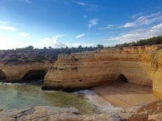 Algarve : où faire les plus belles randonnées ? - via Guide Evasion 27-10-2016 | Très réputé pour ses plages, l'Algarve offre également de jolis sentiers de randonnée pour les marcheurs de tous niveaux. Voici 5 randonnées à ne pas manquer. #Portugal