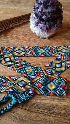 Beaded hand doemde riem van Colombiaanse stammen die met de heilige Yage geneeskunde werken Mooie heilige geometrie sieraden is oorspronkelijk opgericht om te dienen als heilige amuletten, bieden bescherming en begeleiding in Heilige ceremonie. Elk stuk is gemaakt met de bedoeling de