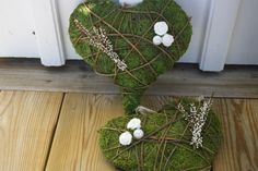Moss heart Deco Nature, Nature Decor, Christmas Wreaths, Christmas Decorations, Christmas Ornaments, Holiday Decor, Chicken Wire Art, Deco Floral, Welcome Spring