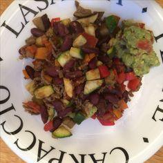 Mexicaanse gehakt/groenteschotel met zelfgemaakte guacamole