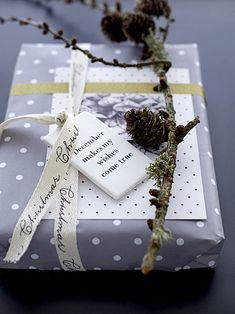 Detalles originales para decorar los paquetes de regalo en Navidad - https://decoracion2.com/detalles-decorar-los-paquetes-de-regalo-navidad/ #Decorar_Envoltorios, #Paquetes_De_Regalo, #Proyectos_Diy