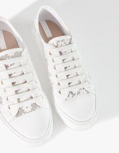 Stradivarius sneakers #bohemian #shoes #white #flowers #fashion