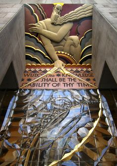 the entrance to the Rockefeller Building