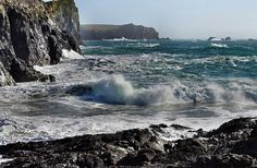 British Hikes Lizard Coastal Walk Distance: 7 miles  Get sea and sun on this hike along Britain's southern coast. The walk makes a two and a half hour loop, starting and finishing at Cornwall's gorgeous Kynance Cove.
