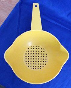 Vintage 1970s Bright Yellow Tupperware Colander Strainer 1200-5