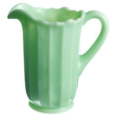 Love this green retro pitcher from Leilas General Store Tea Pitcher, General Store, Home Accessories, Retro Vintage, Table Settings, Retail, Cottage, Magazine, Dishes