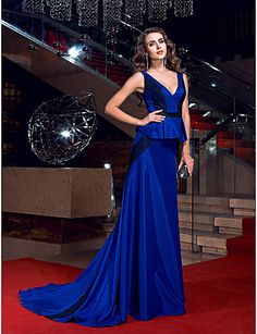 Formal Evening Dress - Royal Blue Plus Sizes Sheath/Column V-neck Sweep/Brush Train Stretch Satin – USD $ 129.99
