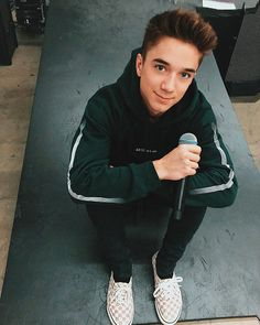 Daniel was meant to text Corbyn but text a pretty girl instead(textin… Corbyn Besson, Jack Avery, Future Boyfriend, To My Future Husband, Why Dont We Band, Daniel J, Jonah Marais, Logan Paul, Zach Herron