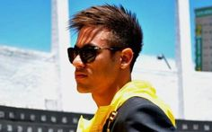 Ohh my goodness from hottness Neymar Pic, Mirrored Sunglasses, Mens Sunglasses, My Guy, Hot Guys, Celebs, Lifestyle, Hair, Image